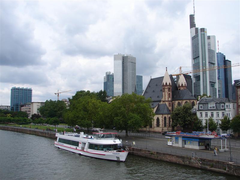 Frankfurt 11 (Medium).JPG